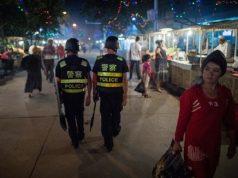 fr.shafaqna - Chine : les Corans confisqués chez les musulmans de Xinjiang