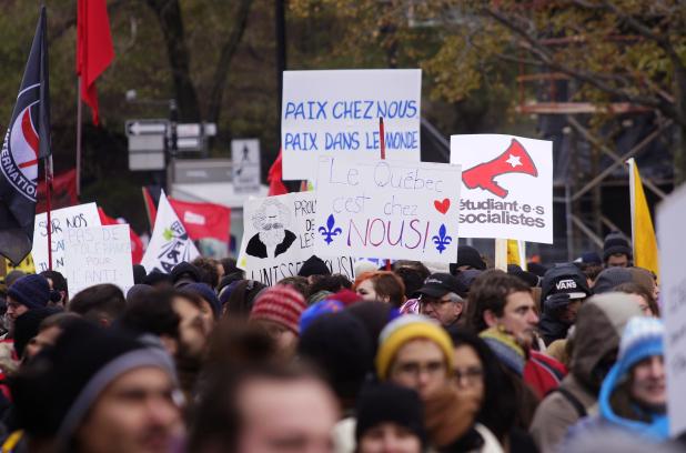 fr.shafaqna - PHOTOS : Montréal ; des centaines de manifestants dénoncent le racisme