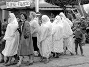 Algerian-women-during-French-colonisation1 femmes violee - voile - veil - femmes musulmans