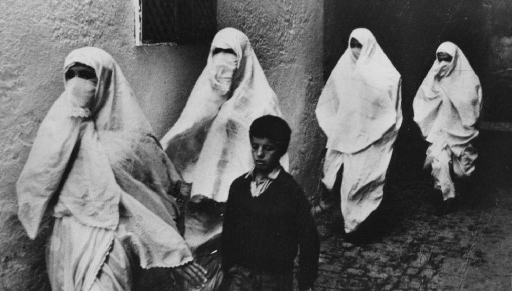 Alger Algérie indépendance de l'Algérie résistance algérienne William Shaler orientalisme Orientalisme colonialisme français regard orientaliste Histoire d'Algérie femmes algériennes Hayek Voile Hijab