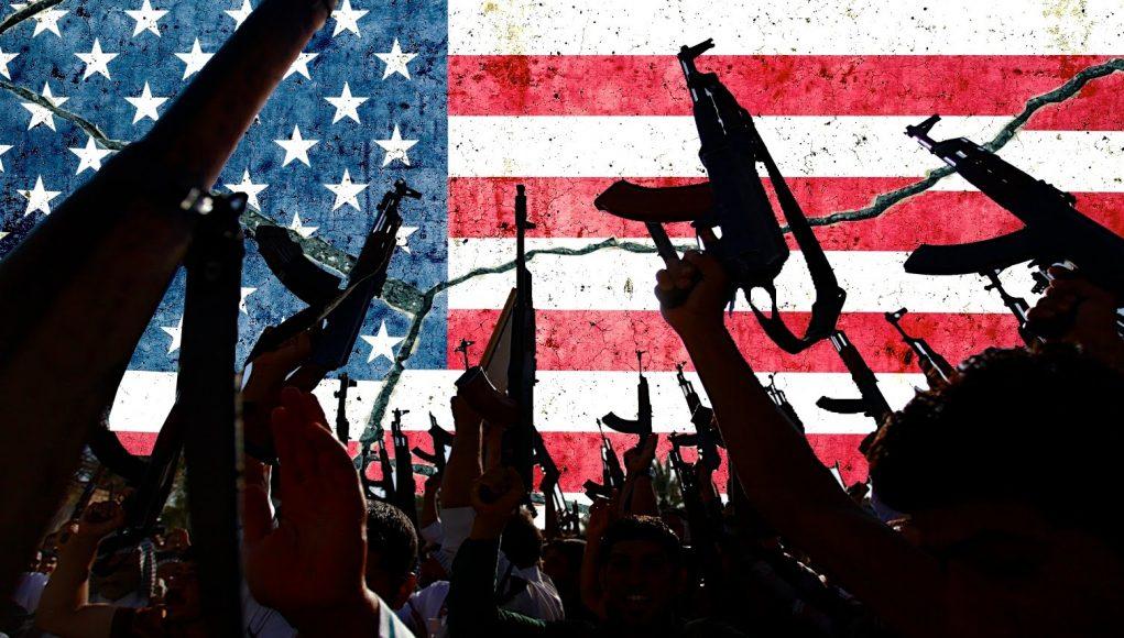 Afghanistan Arabe Arabie saoudite arabo-musulman Bachar el-Assad ben Laden capitalisme CNN Congrès américain économies occidentales Etat islamique Europe fascisme guerre Guerre froide Irak Islamiste militaire musulman OTAN petrole Proche-Orient Syrie terrorisme terrorisme islamiste