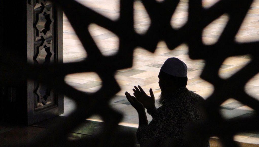 Zakariyya invocation Invocation d'Allah prière Coran commentaire du Coran études coraniques Prières coraniques Confiance en Dieu Confiance en Allah