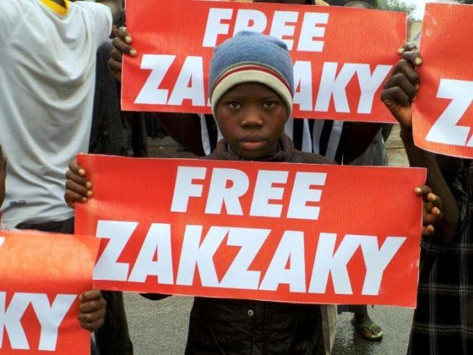 Des partisans du mouvement chiite nigérian Islamic Movement in Nigeria (IMN) réclament la libération de leur leader Ibrahim Zakzaky à Kano, le 11 aout 2016. afp.com - AMINU ABUBAKAR