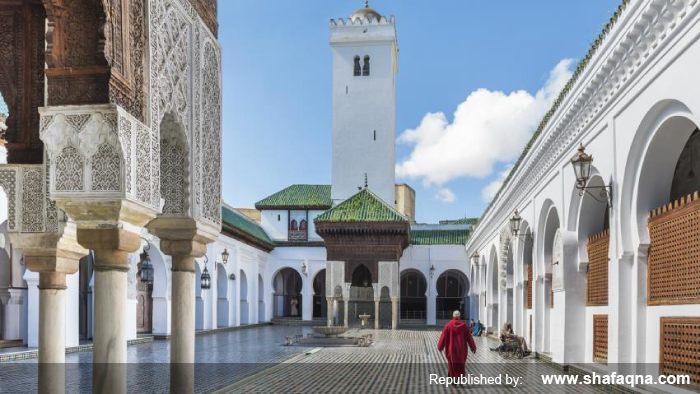 Fatima al-Fihriya  la mosquée al-Qarawiyyîn  Fès  Maroc  Fatima al-Fihri  Université Al Quaraouiyine  جامعة القرويين  égalité hommes-femmes  diversité des femmes musulmanes  femmes musulmanes  les femmes dans l'islam  histoire de Maroc  la plus ancienne université dans le monde  la plus ancienne bibliothèque dans le monde