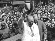 """Winston Churchill britannique Britanniques occupation britanniques anciennes colonies britannique la Mésopotamie colonisateur britannique révolte de 1920 en Irak soulèvement arabe en Palestine Arthur Harris oppression coloniale britannique politique de """" choc et terreur"""" Grande Bretagne répression britannique en Irak Laurence d'Arabie racisme criminel de guerre histoire britannique Histoire de la colonisation britannique Colonialisme britannique"""