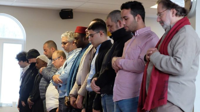 fr.shafaqna - La mosquée A'Rahmane de Sherbrooke ouvre ses portes au public