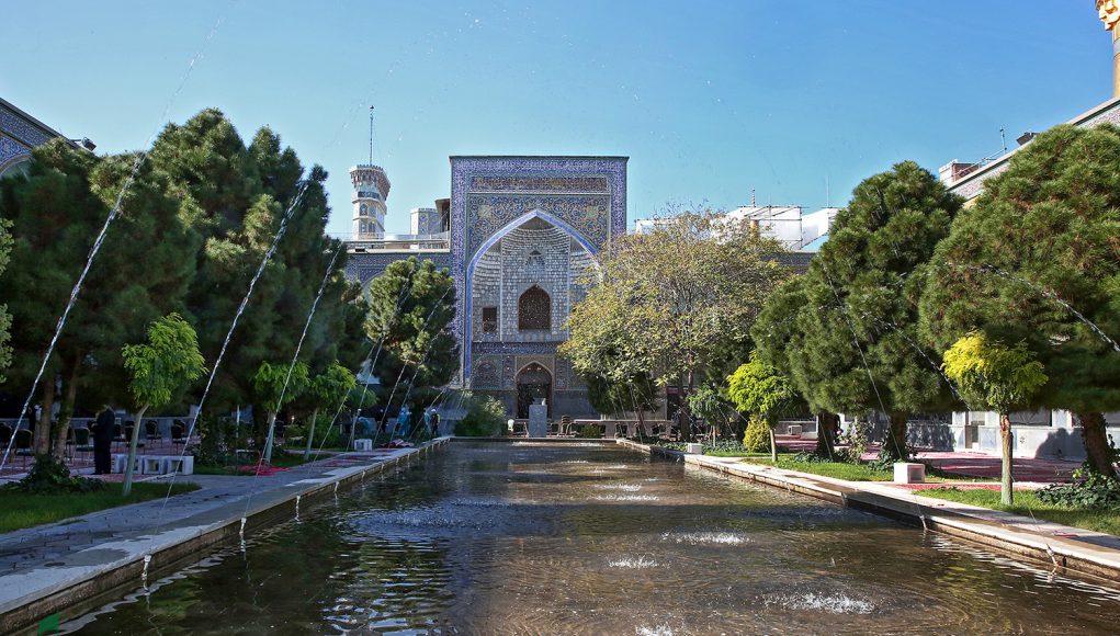 école Mirza Djafar , sanctuaire sacré de l'Imam Reza (as)