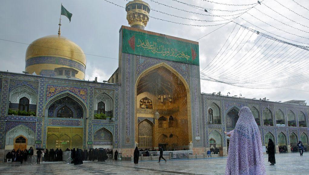 mausolée de l'Imam Reza (AS), Hazrate Fatemeh (SA), se convertir à l'islam